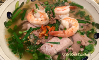 Hủ tiếu - Vietnamese pork and shrimp noodle soup